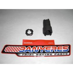 Used Honda original to change clutch TLR 200/250 and Honda RTL years 85 -89. Replacement nut kit.