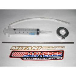 Mitani universal tool to check the oil level of the front suspension