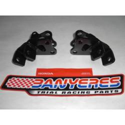 Kit support standard 2005 - 2015 original iron footrests Montesa black color.