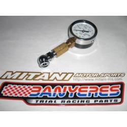 Special Mitani pressure gauge small model, made in Japan comes with a case.