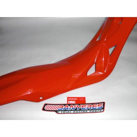 Original Honda red rear fender without adhesive for Montesa Cota 301 RR year 2020.